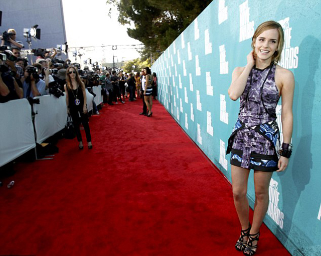 EMMA_WATSON_MTV_MOVIE_AWARDS_2012_04
