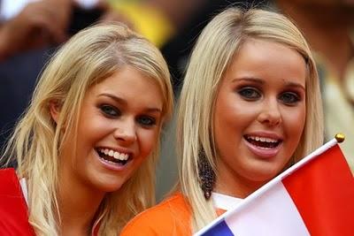 [Image: chica-holandesa3.jpeg]