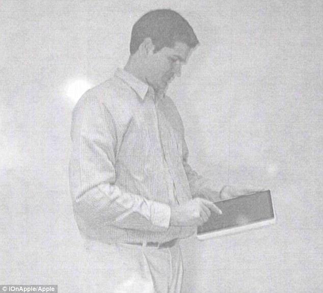 iPad2002-1