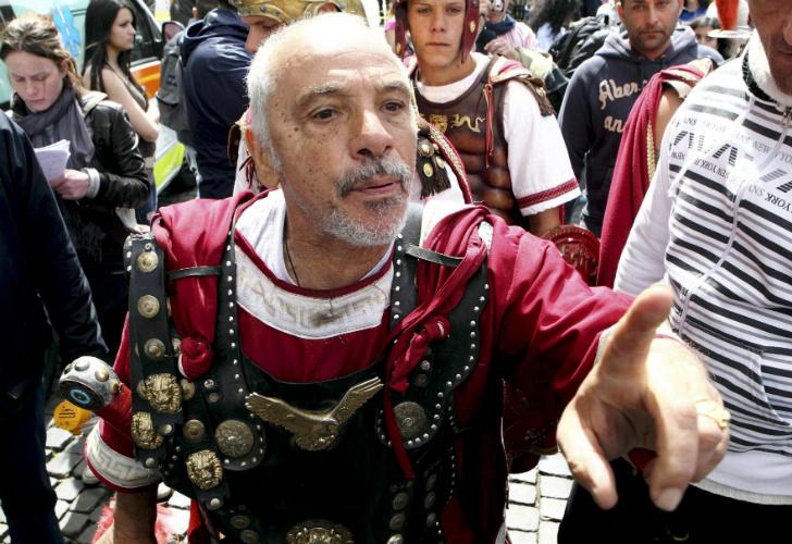 0413_orbe_roma_coliseo_centuriones_efe_g14