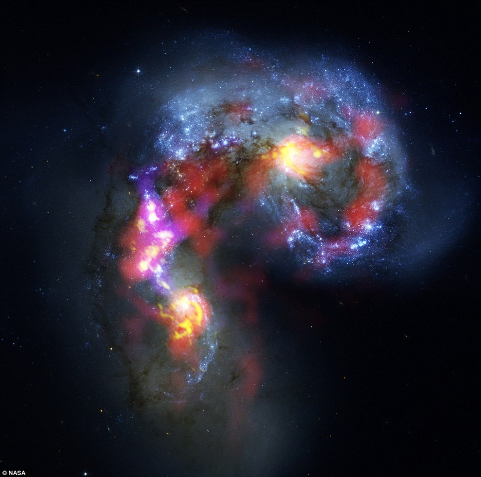 Un par de galaxias colisionando a 70 millones de años luz