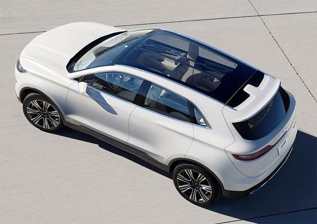 NAIAS-2013-Lincoln-MKC-Concept-8