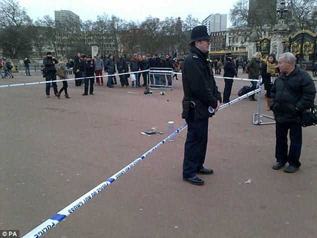 El área fue acordonada por la policía local.