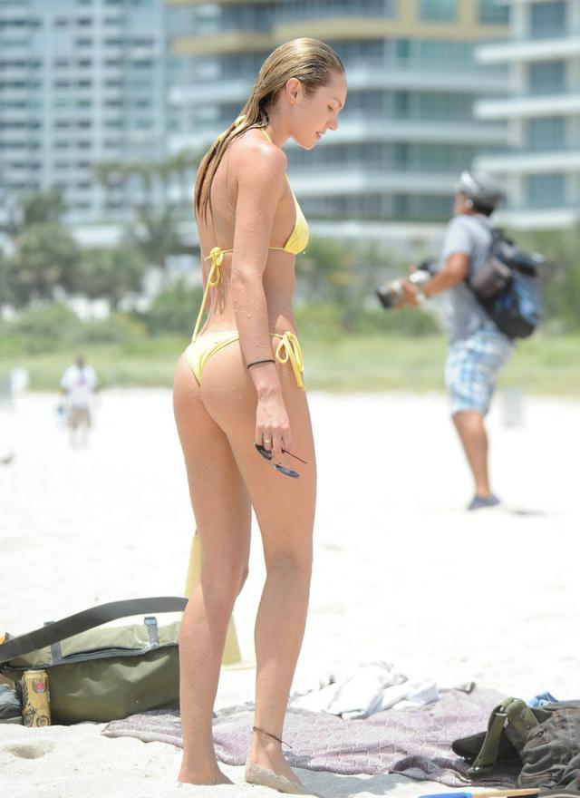 Candice_Swanepoel_Miami-2