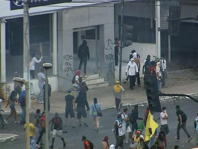Brasil-vs-Uruguay-Protestas-4