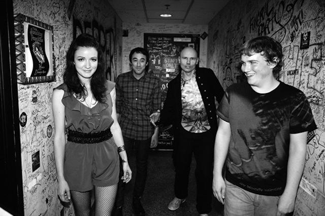 Smashing-Pumpkins-Bass-Player-Nicole-Fiorentino-3