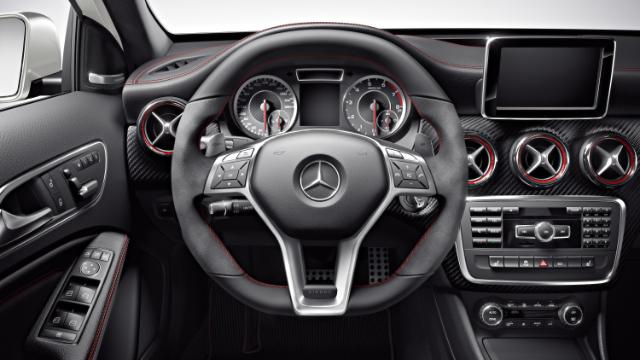Mercedes Benz A 45 AMG 04
