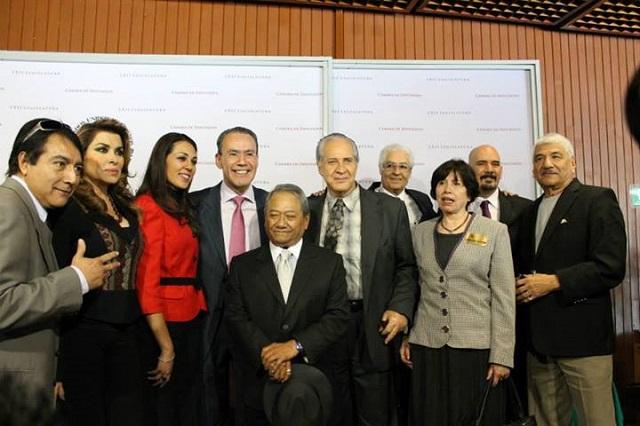 Hector Gutiérrez y Denisse Ugalde
