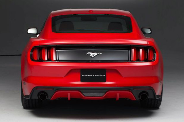 Ford-Mustang-2015-4