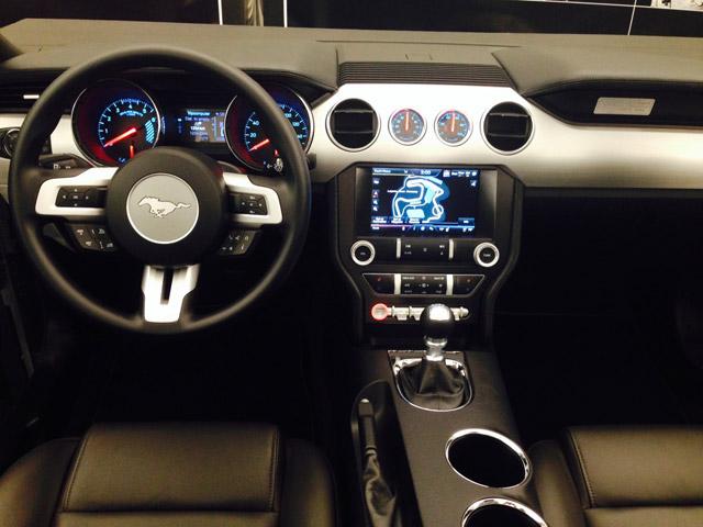 Mustang-2015-13