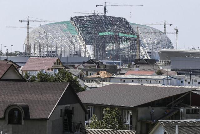 labores-de-construccion-del-estadio-olimpico-uno-de-los_970_652_255149