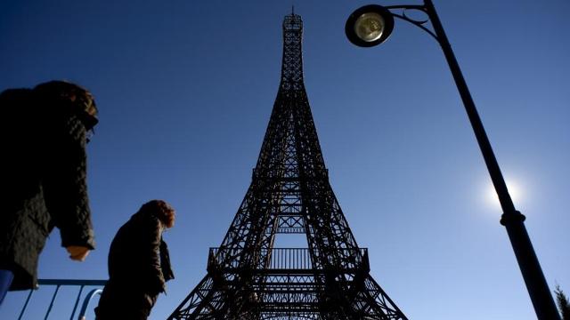 replicas torre eiffel 8