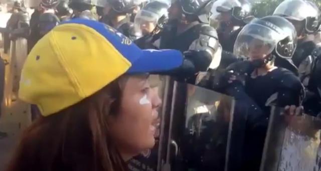 venezolana_poli_llanto