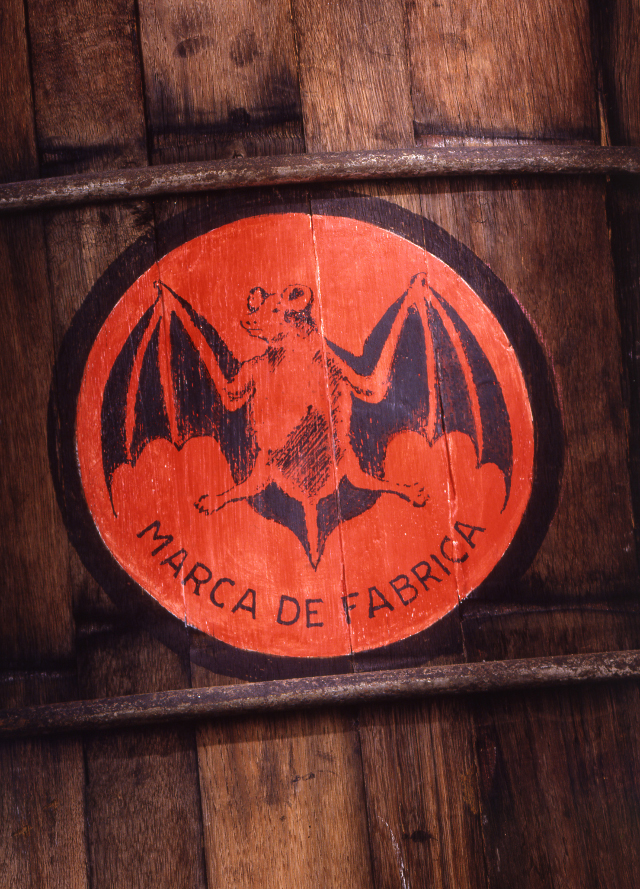 2003: Vintage Logo on Barrel