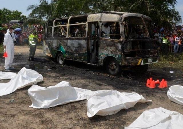 autobus_quemados