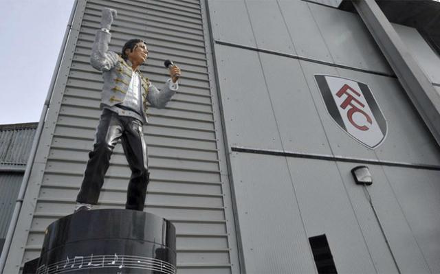 estatua mj