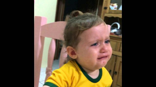 niño llora a neymar