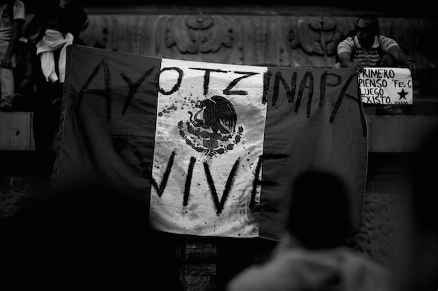 Luz_Ayotzinapa_Santiago_Arau2