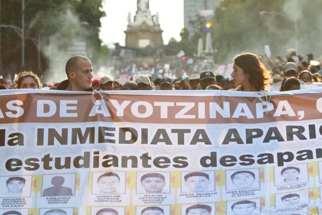 Marcha #Ayotzi- Fernando Fuentes -03
