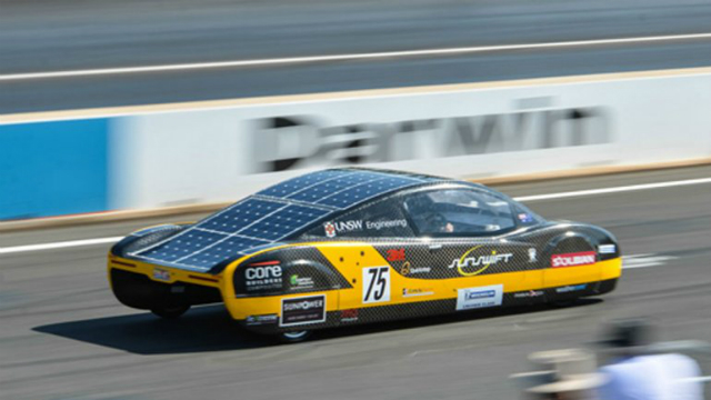 auto solar veloz