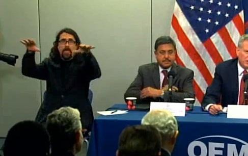 conferencia ebola interprete NY1