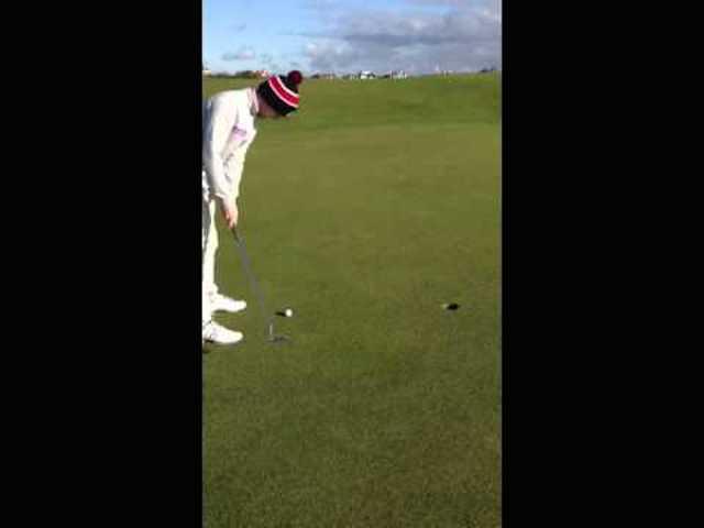 increible tiro en el golf