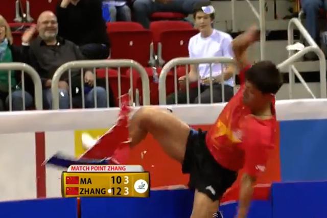 jugador pingpong loco