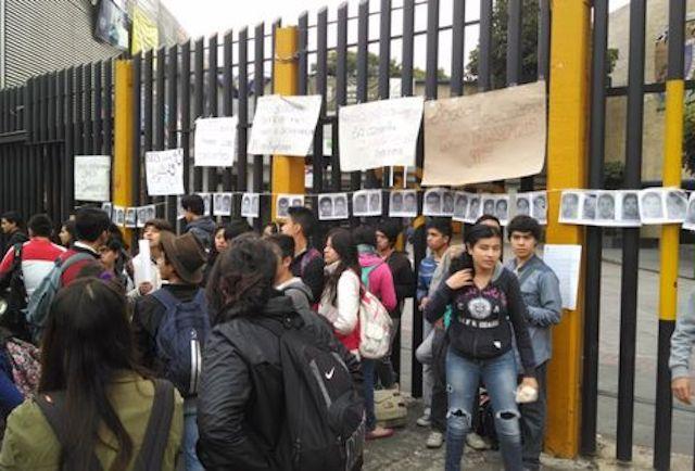 paro_temporal-ayotzinapa-prepa_6_MILIMA20141015_0079_11