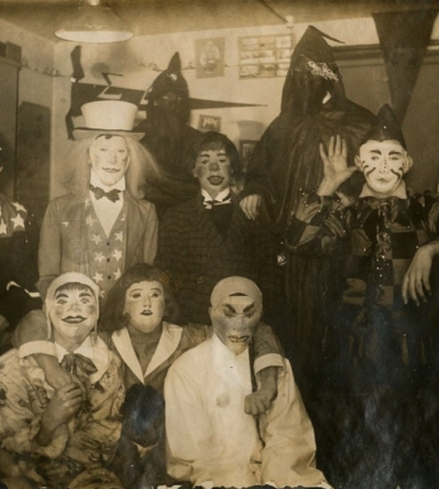 vintage-halloween-costumes1