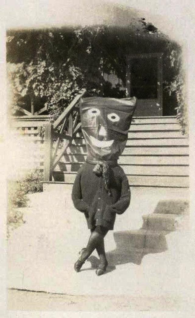 vintage-halloween-costumes15