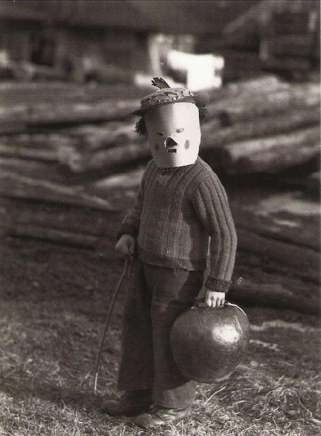vintage-halloween-costumes17