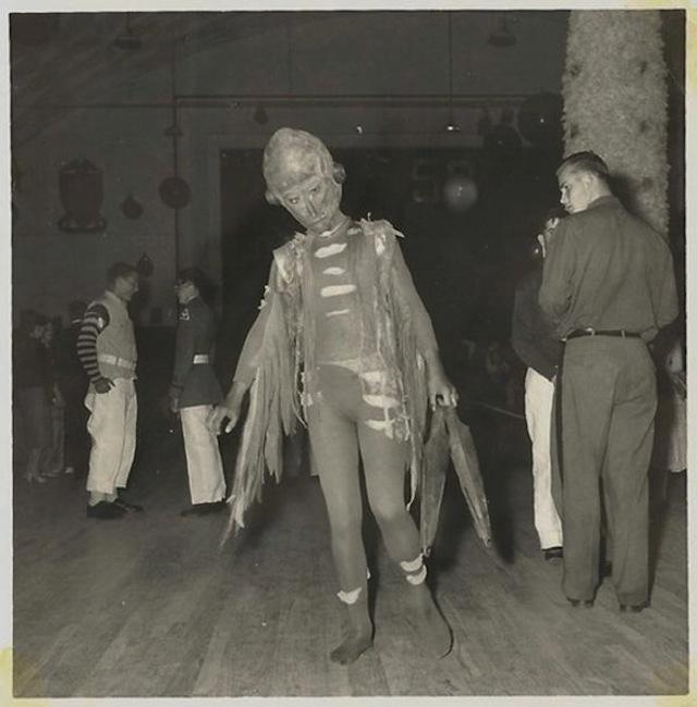 vintage-halloween-costumes20