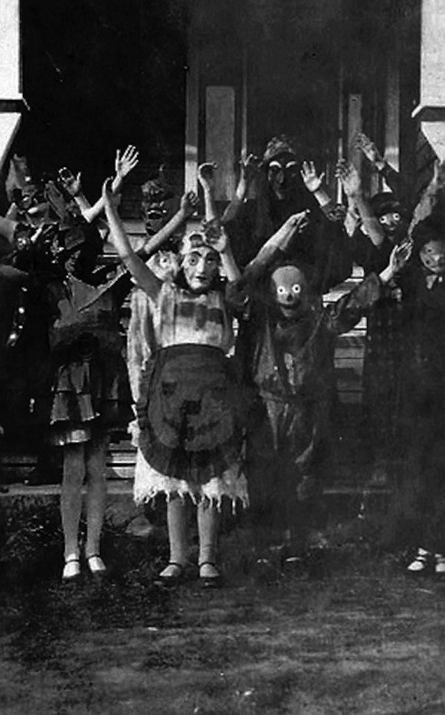 vintage-halloween-costumes21