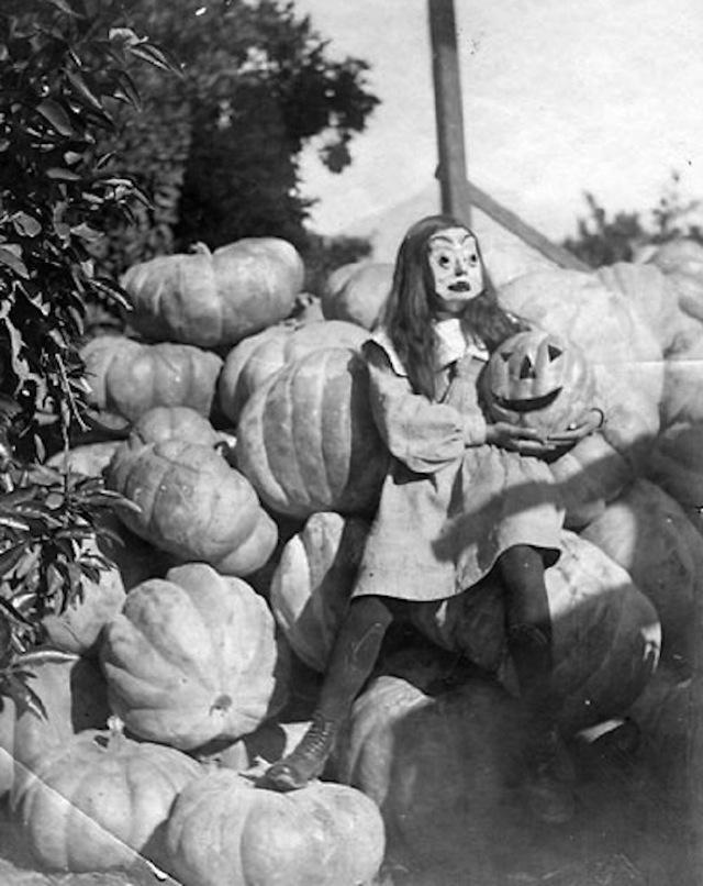 vintage-halloween-costumes27