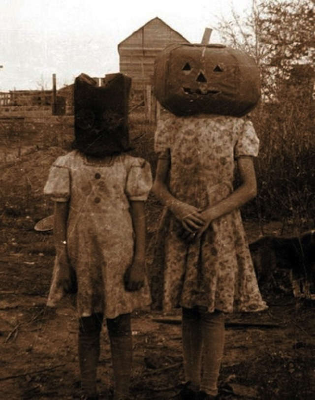 vintage-halloween-costumes29