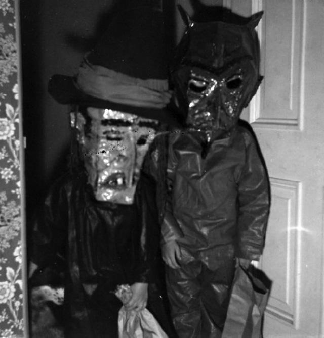 vintage-halloween-costumes7