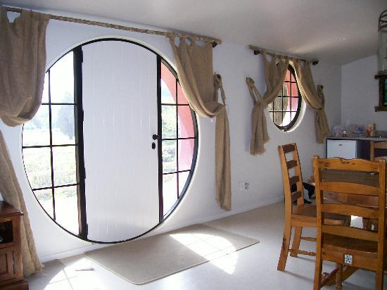 22-hobbit-motel-design1