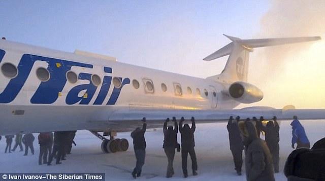 empujando_avion_