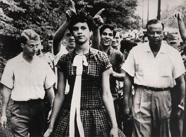 Dorothy Counts, la primera alumna de color del Instituto Harry Harding (1957)