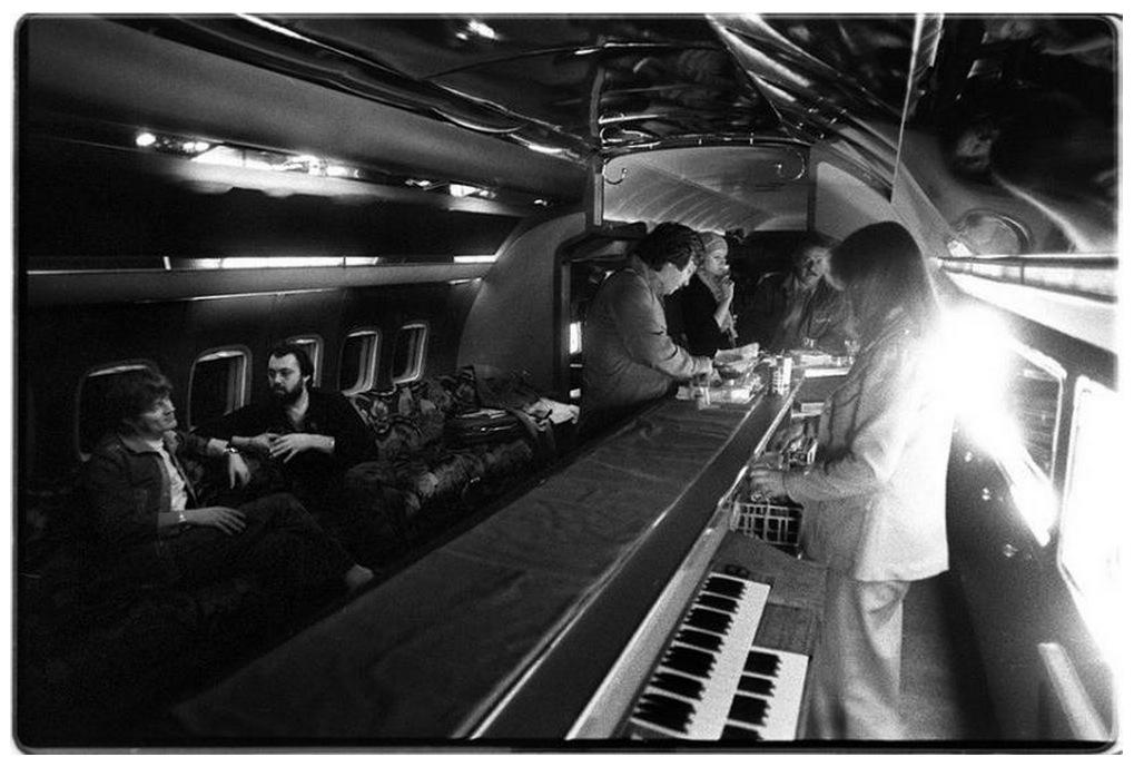 El Starship: el avión que llevó a Led Zeppelin de gira en ...