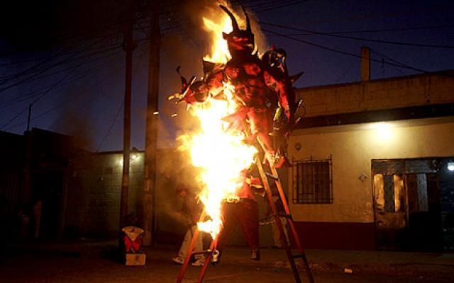 Burning-of-the-Devil-festivals-in-Guatemala-starts-on-December-7th-