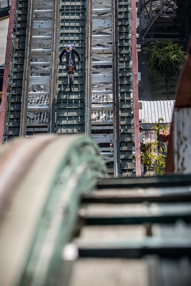 moto chapultepec red bull