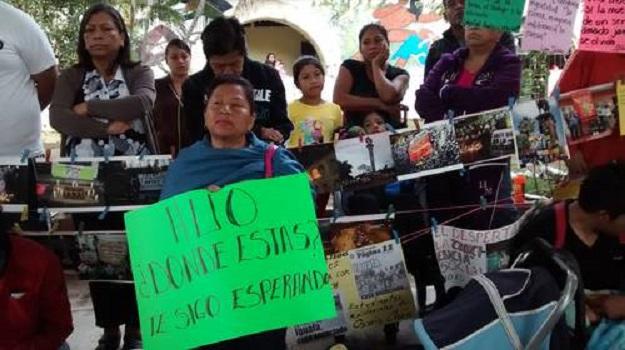 padre ayotzinapa