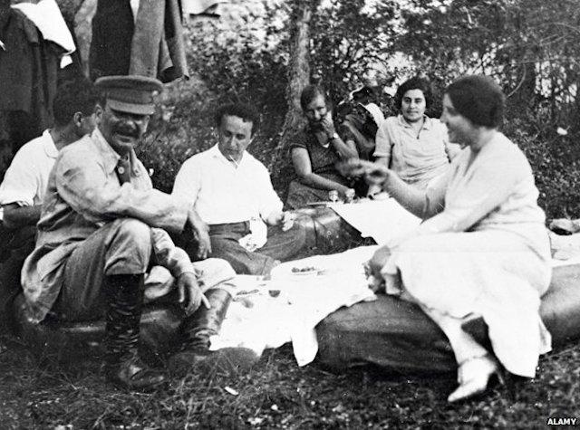 stalin_picnic