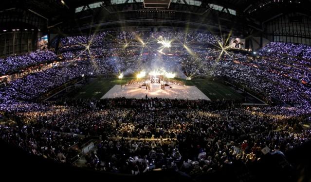 Madonna-Super-Bowl-Half-Time-Show-Performance-featuring-Nicki-Minaj-MIA-LMAO-Cee-Lo-Green-4-1