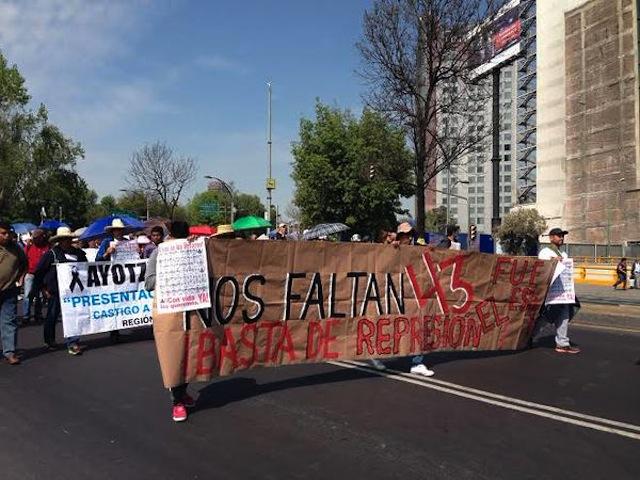 estela.marcha.ayotzinapa.4meses