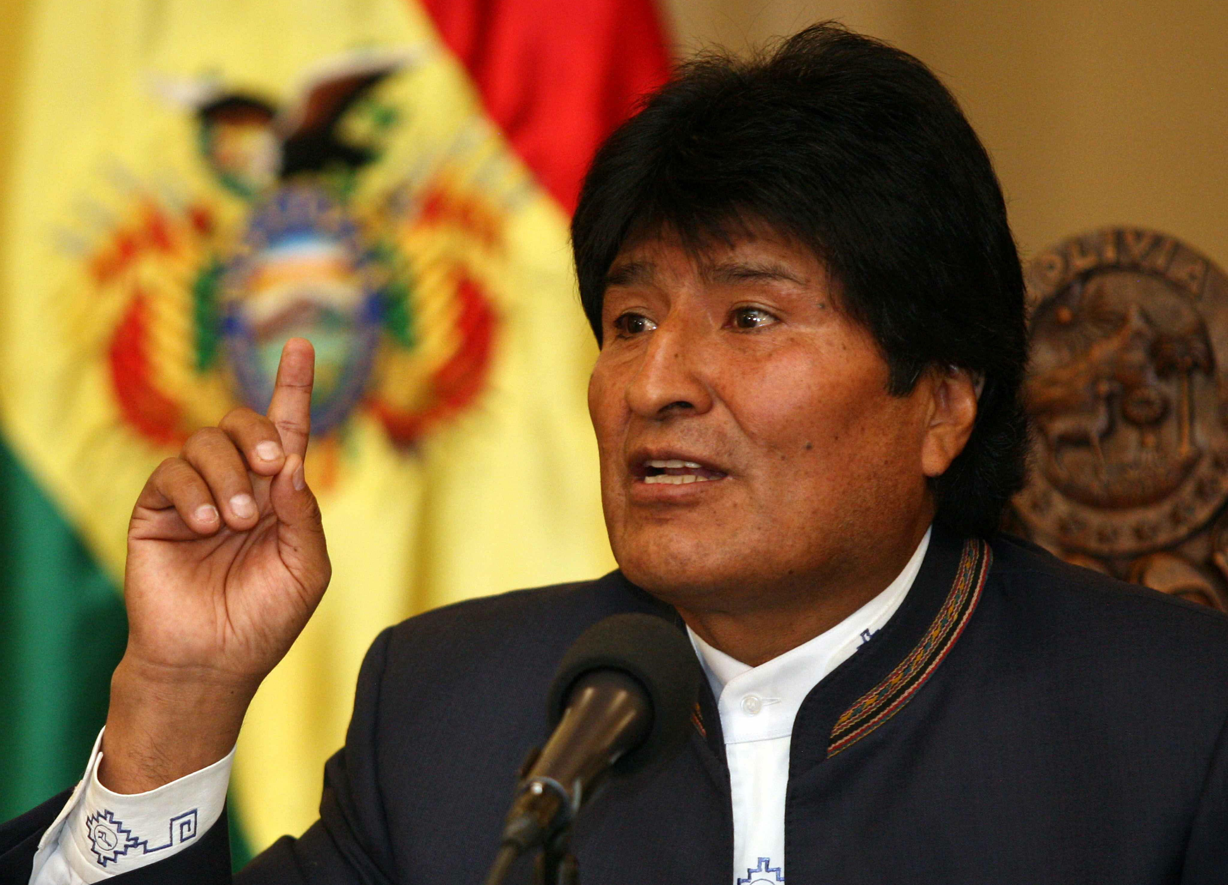 "EVO MORALES PIDE A BRASIL ""DEVOLVER"" AL SENADOR PINTO A LA JUSTICIA BOLIVIANA"