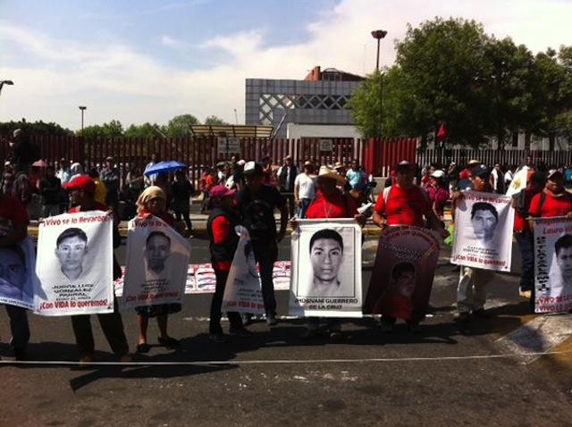 marcha.4meses.ayotzinapa.san lazaro
