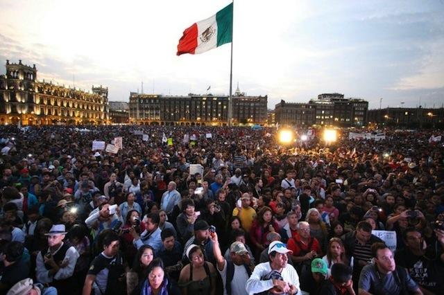 mitin.zocalo4meses.ayotzinapa
