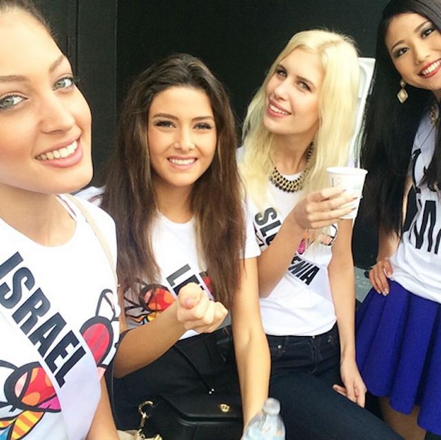 selfie_miss_univ